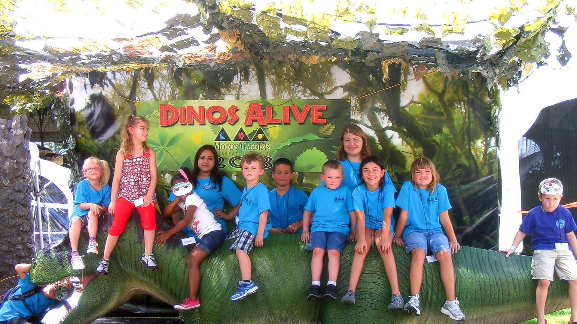 Pyramid Kids Camps Dinos Alive